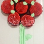 Flower cupcake with stem
